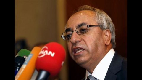 Siria, l'ex premier Hijab lascia regime e fugge in Giordania. Washington: Assad non ha più controllo