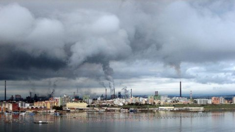 Ilva a processo: il Comune di Taranto chiede 10 miliardi di danni