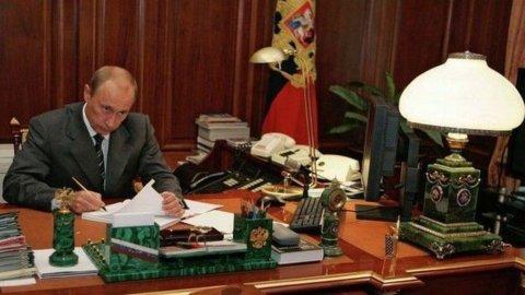 Russia: stime Pil 2013 tagliate da +2,4 a +1,8%