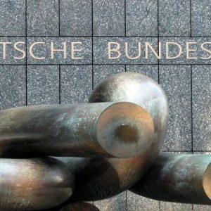 Bundesbank 2012, raddoppiati accantonamenti per rischi