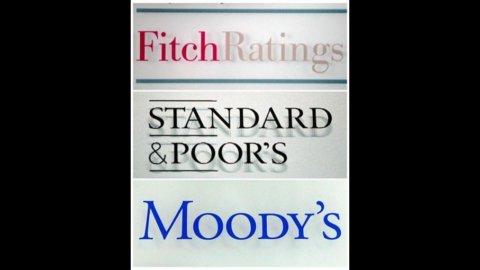 Fitch taglia il rating a 7 banche italiane, a rischio la tripla A degli Usa