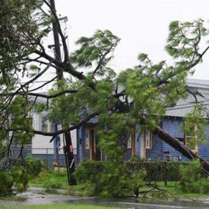 Isaac declassato a tempesta tropicale, iniziano i primi soccorsi