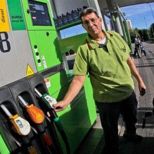 Benzina: prezzi italiani più alti del 20% rispetto a media Ue