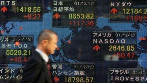 Lo yen si rafforza e fa crollare la Borsa di Tokyo: il Nikkei chiude a -3,3%
