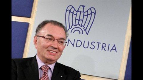 "Confindustria, Squinzi: ""Autunno bollente, detassare salari"""