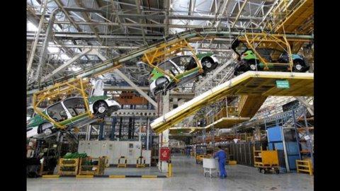 Istat, cala produzione industriale: -1,5%