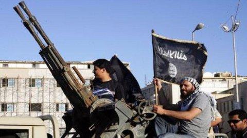 Libia, attacco al consolato Usa di Bengasi: uccisi l'ambasciatore e tre funzionari