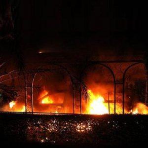 Libia, ancora violenze anti-Usa, dall'Egitto allo Yemen. Falso allarme al consolato di Berlino