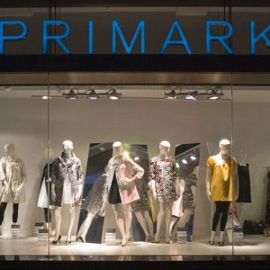 Zara e H&M, attenti: dall'Irlanda arriva Primark, la nuova catena di abbigliamento low cost