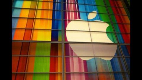 Frenano Cina e auto tedesca, stime italiane riviste al ribasso ma l'iPhone incoraggia Piazza Affari