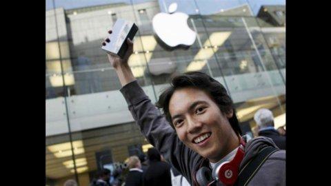 Beffa iPhone5, in Italia Apple applica un prezzo fino a 70 euro più alto che all'estero