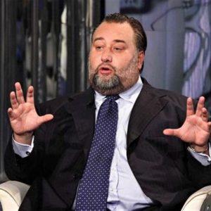 Lazio, hanno arrestato Batman: l'ex capogruppo del Pdl, Franco Fiorito, in carcere per peculato