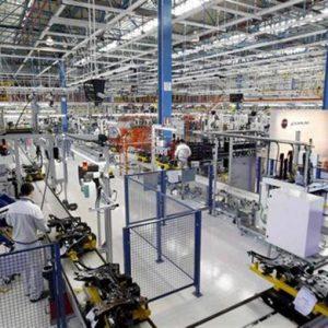 Nani e giganti della manifattura in Italia: oltre il mito della grande dimensione