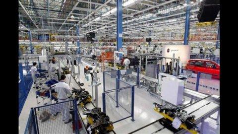 Intesa Sanpaolo-Prometeia: i settori industriali ai raggi x, fatturato giù del 5,3%