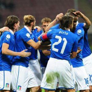 Mondiali, l'Italia batte la Danimarca 3-1 e va in fuga nel girone B: Pirlo sontuoso, Balotelli super
