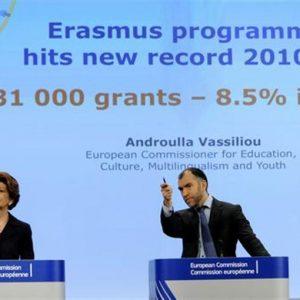 Erasmus, servono 90 mln: in 25 anni un milione i bambini nati da coppie di studenti all'estero