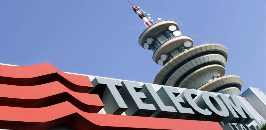 Borsa, giornata di realizzi ma Telecom Italia sale e Stm crolla