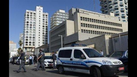 Israele, ancora terrore: esplode ordigno su autobus in pieno centro a Tel Aviv, 20 i feriti