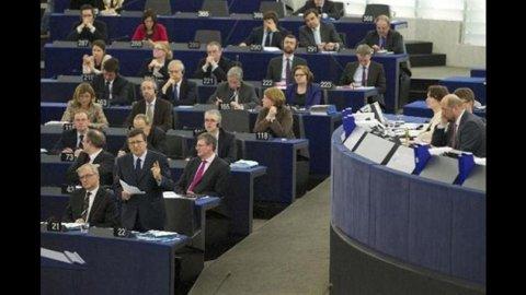 Eurozona, fiducia in chiaroscuro a novembre: bene indice generale, male le famiglie