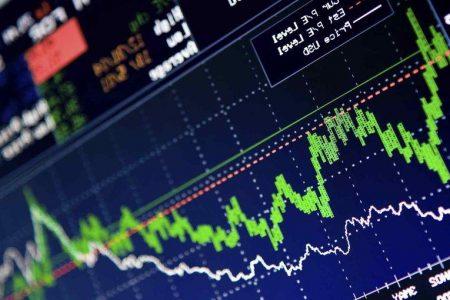L'Asia fa respirare le Borse. Ma sale lo spread con l'aria di crisi