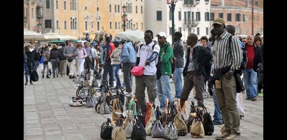 Fondazione Ismu: la crisi ferma i flussi migratori verso l'Italia