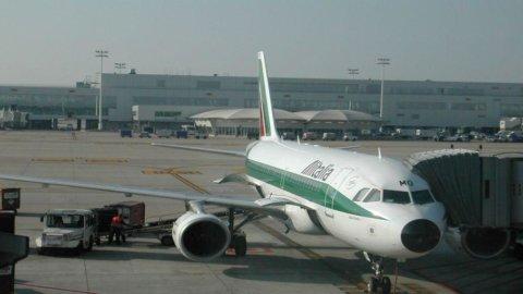 Alitalia: Air France apre all'aumento di capitale, ma non sostituirà i soci italiani