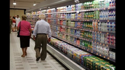 Istat, male le vendite al dettaglio a ottobre: -1% da settembre, -3,8% su anno