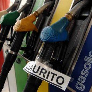 Benzina e diesel, girandola di aumenti
