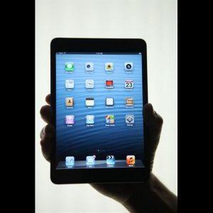 Tlc: smartphone e tablet spingono la crescita, spesa +4% nel 2013