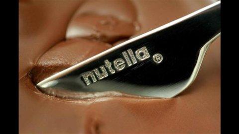 Ferrero Int dimezza l'utile a 443 milioni nel 2012, 400 milioni dividendi