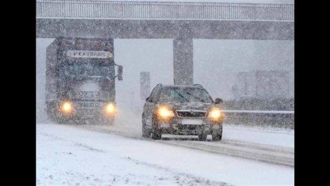 Meteo, arriva il fronte di aria gelida: temperature giù e neve in tutta Italia, anche in pianura
