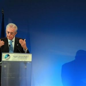 """Monti: """"Facciamo votare gli studenti Erasmus"""""""