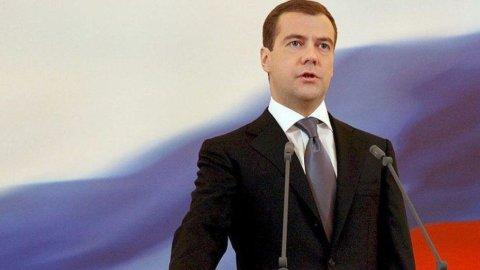 """Cipro salva, Mosca furibonda. Medvedev: """"Continuano a rubare"""""""