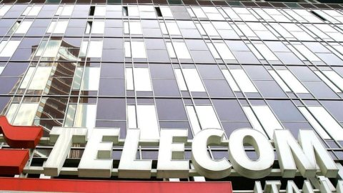 Telecom: guai in Argentina, titolo ai minimi storici in Borsa