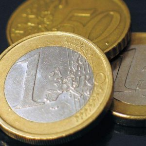 Spread, Btp ed euro ai minimi e un po' di respiro in Borsa dopo il rally
