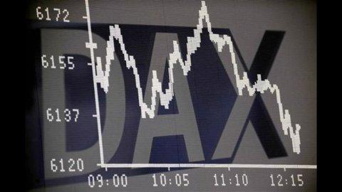 Il voto affossa le banche e colpisce la Borsa