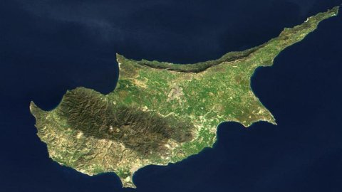 Cipro scaricata da Mosca, Parlamento nel caos