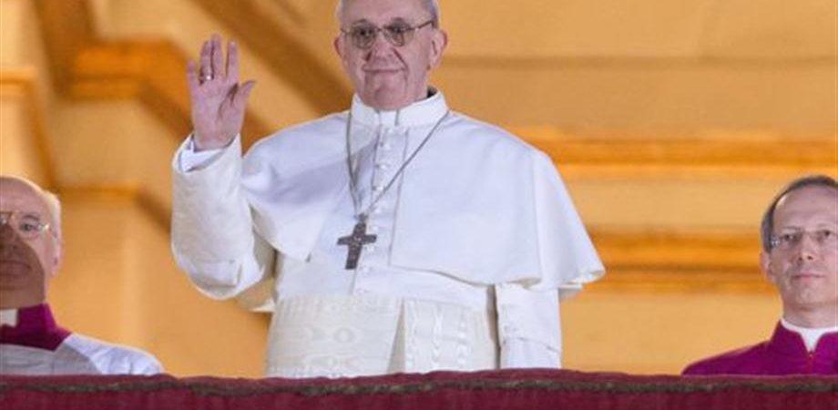 Vaticano, domani tutti i potenti del mondo all'insediamento di Papa Francesco