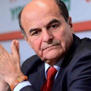 """Pd, Bersani shock: """"La scissione c'è già"""""""