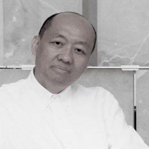"""Chi Wing Lo, primo designer cinese a lavorare in Italia: """"Siete ancora i numeri uno, ma…"""""""