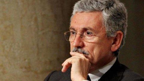 """D'Alema all'attacco nel Pd: """"Assurdo candidare Prodi così"""""""