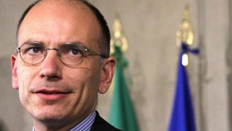 """Enrico Letta accetta l'incarico con riserva per """"un governo di servizio al Paese"""""""