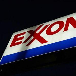 Petrolio, ExxonMobil taglia investimenti per 4,5 miliardi