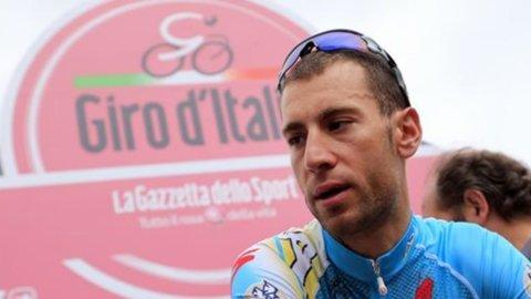 Wiggins delude anche nella crono: Nibali sorprende ed è maglia rosa