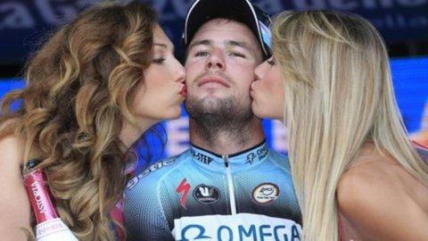 Giro d'Italia: quarto capolavoro di Cavendish, Wiggins e Hesjedal lasciano il Giro