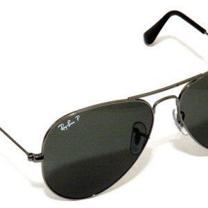 Ray Ban, Antitrust oscura due siti di occhiali contraffatti