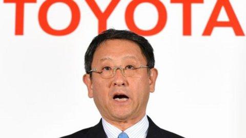 Toyota richiama 242mila autovetture