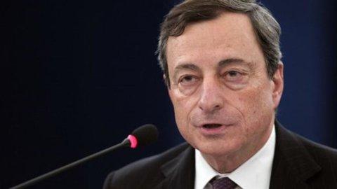 Bce, Draghi: tassi fermi, ripresa a fine anno
