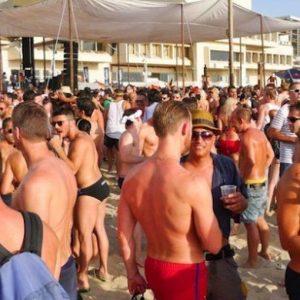 Turismo gay, business da 3 miliardi: Spagna meta preferita, in Italia salgono Puglia e Sicilia