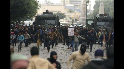 Egitto: ancora tensioni ad un anno dall'elezione di Morsi. E rottura fra il rais e l'esercito